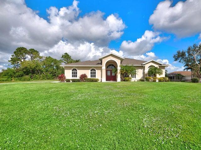 158 SW South Danville Circle, Port Saint Lucie, FL 34953