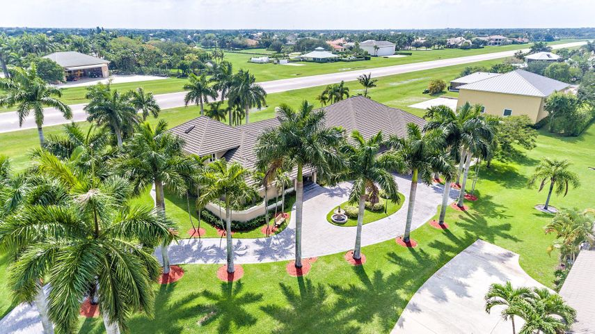 Front driveway Aerial