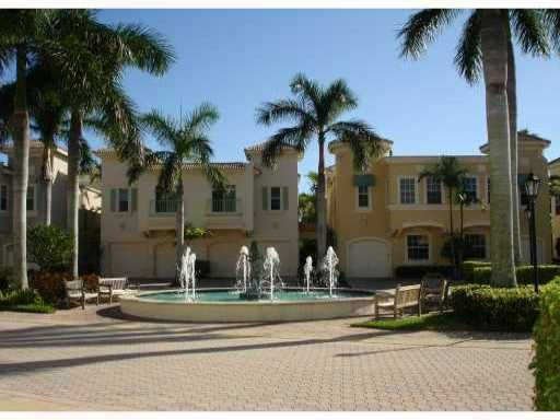 NICELY FULLY FURNISHED 2 STORY TOWNHOME WITH SPECTACULAR WATER VIEWS, TWO MASTER SUITES, WALKING DISTANCE TO THE HOTEL. AVAILABLE  FOR THE 2019/2020 SEASON OR ANNUAL FURNISHED.  SEASONAL  TENANTS WILL PAY 13% TAX, EXIT CLEANING FEE OF $250.00 AND POA APPLICATION FEE OF $25.00.