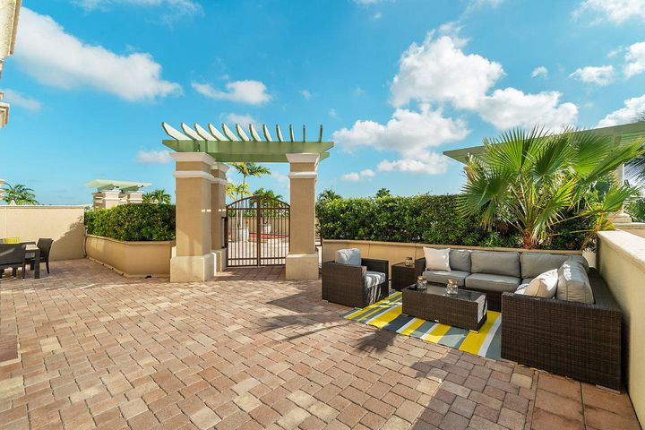 Your Own Private Back Yard!