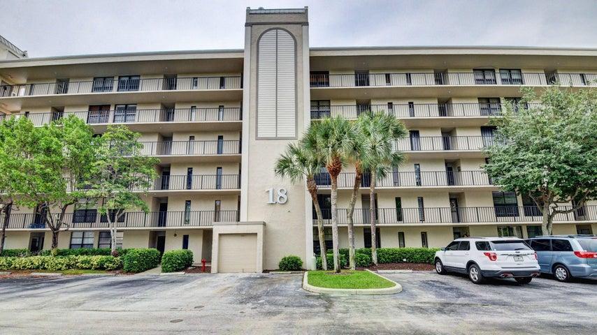 18 Royal Palm Way, 104, Boca Raton, FL 33432