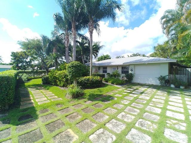 363 Elm Avenue, Tequesta, FL 33469