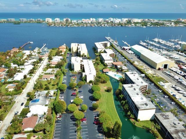 300 Waterway Dr, 107, Lantana, FL 33462