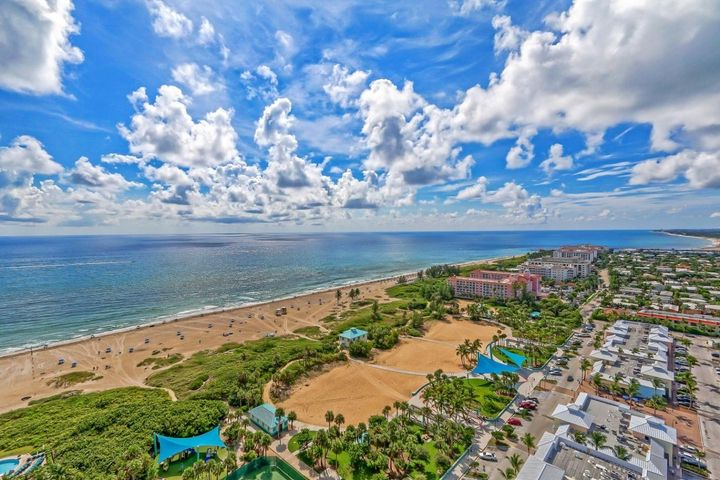 Professionally designed and furnished.Lots of wood touchesWide open Great Room with spectacular viewsSoutheast views of ocean and inlet