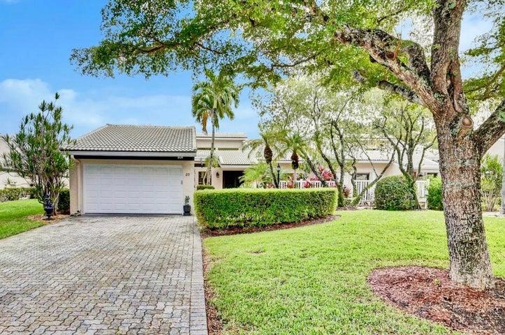 23 Villa Lane, Boynton Beach, FL 33436