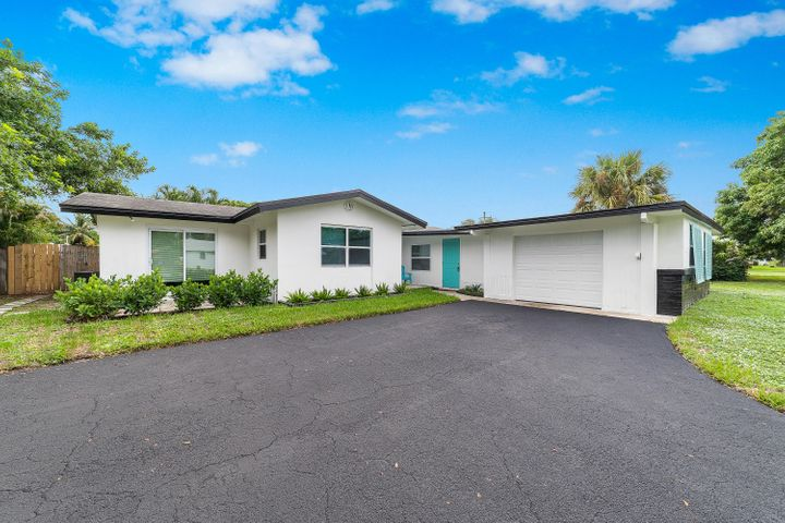 194 SE 27th Avenue, Boynton Beach, FL 33435
