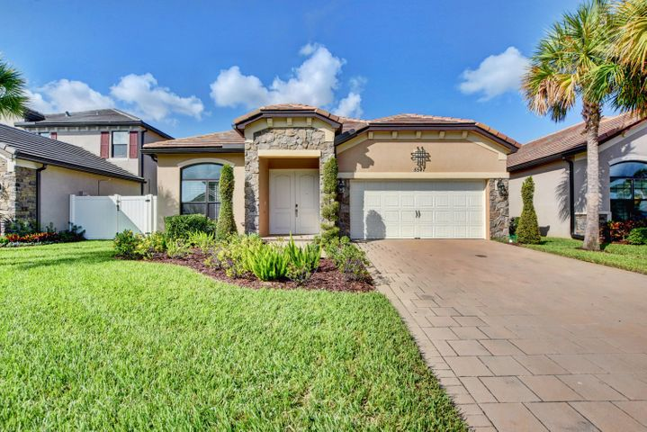 5547 Sandbirch Way, Lake Worth, FL 33463