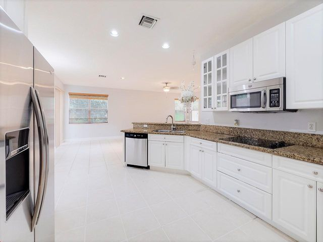 7300 Viale Sonata, Lake Worth, FL 33467