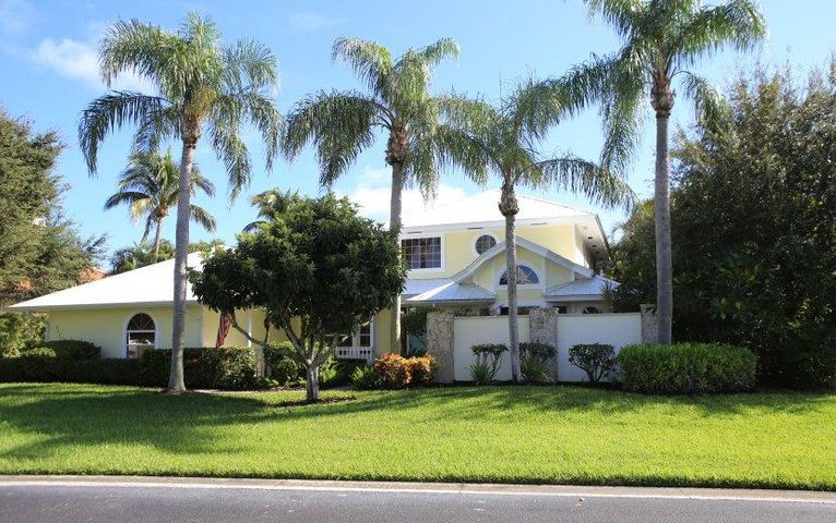 8222 SE Sanctuary Drive, Hobe Sound, FL 33455