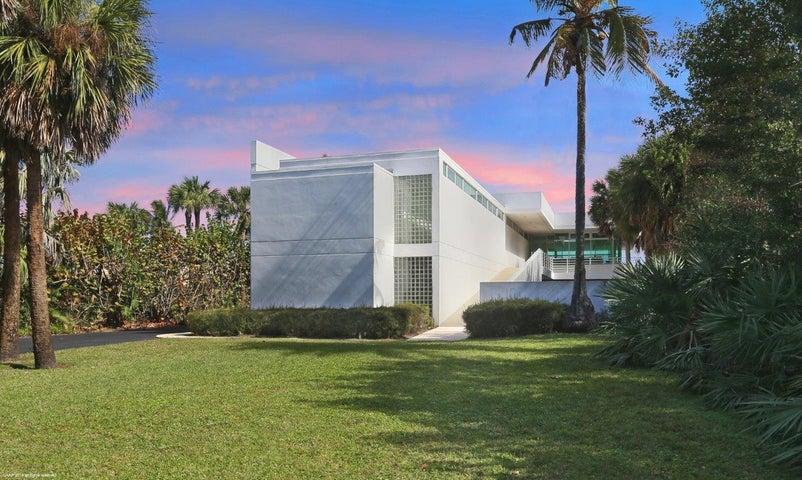 35 N Beach Road, Hobe Sound, FL 33455