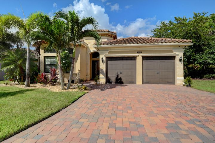 8181 Banpo Bridge Way, Delray Beach, FL 33446