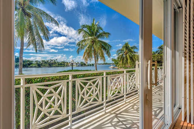 Direct Lakefront Worth Avenue....Waterfront Living at It's Finest! Situated in the most prestigious Co-Op in Palm Beach! Stunning South Exposure direct lakefront three bedroom, three bath with amazing views! (3rd bedroom perfect for staff, children's room or office) Palm Beach Classic elegance throughout... high ceilings, gorgeous crown molding, hardwood parquet floors, new  impact windows. Full service building, with garage and bldg. generator. One 20 pound pet is accepted. Truly a Rare find.. it doesn't get better than this.