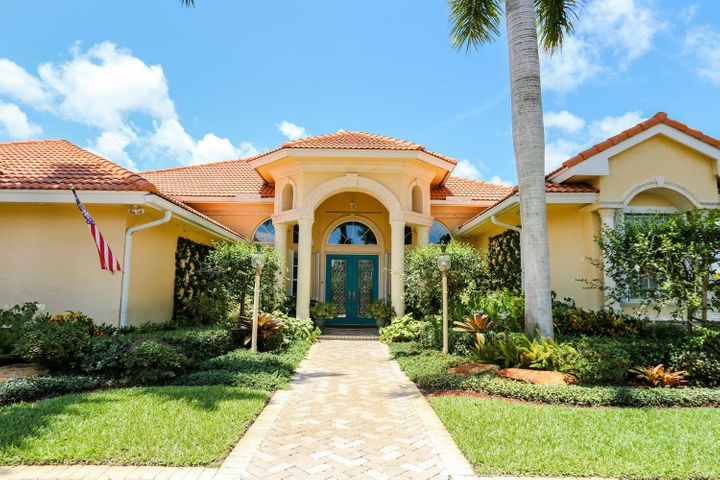 10377 Muirfield Drive, Boynton Beach, FL 33436