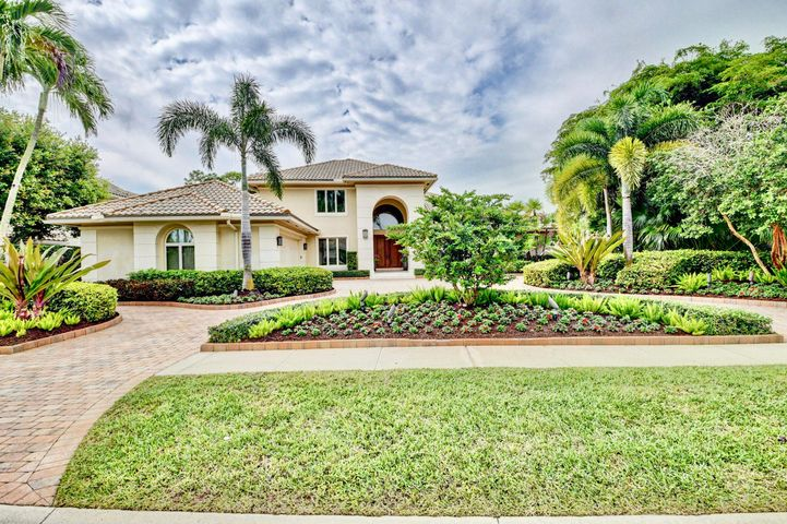 6180 Hollows Lane, Delray Beach, FL 33484