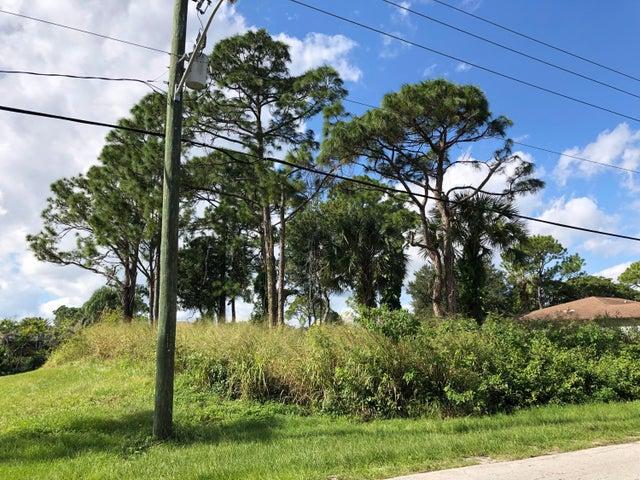 1792 SE Fallon Drive, Port Saint Lucie, FL 34983