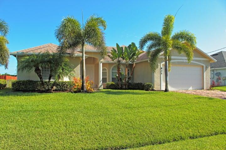 831 SW Hamberlin Avenue, Port Saint Lucie, FL 34953