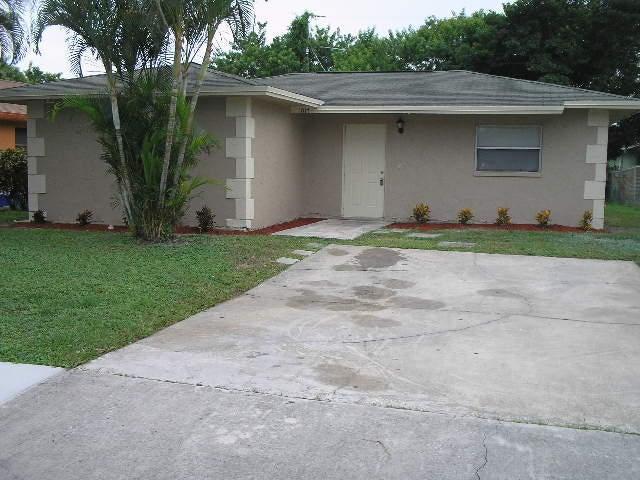 1017 W 7th Street, Riviera Beach, FL 33404