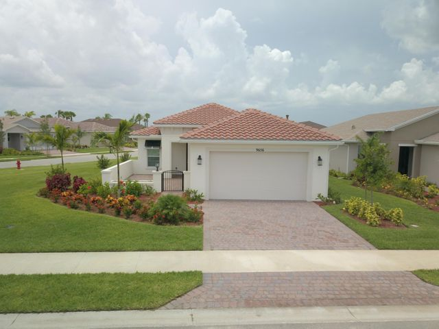 9656 SW Forestwood Avenue, Port Saint Lucie, FL 34987