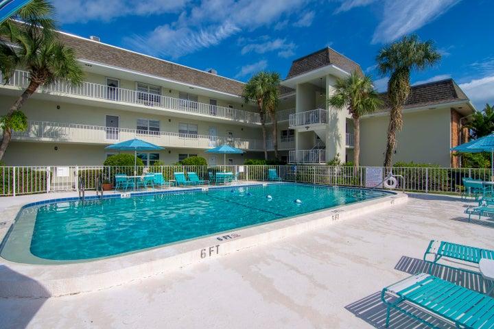200 Greytwig Road, 101, Vero Beach, FL 32963