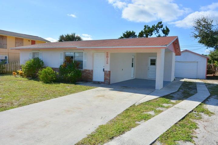 2812 NE Spruce Ridge Avenue, Jensen Beach, FL 34957