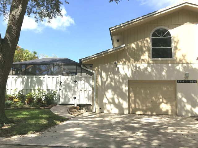 beautiful, remodeled  3 bedrooms with  3 full baths in each bedromm half bath in hallway. THERE IS A LARGE SCREEN PATIO WITH PRIVATE POOL and privacy fence. 1 car spacious garage with driveway.. -  also baby gate for pool in garage. walking distance to ALTON shopping. minutes from 95 and turnpike. 3 miles from beach, mall and restaurants. community is very well maintained and quiet. street is a dead end so no traffic. water high speed cable and internet included Comcast A rated schools