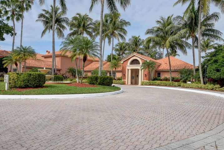 Boca Raton's Best-Kept-Secret,Beautifully landscaped Gated condo community with Resort Style Amenities. This unit also has a GARAGE, ,CARPORT and UNCOVERED SPACE.  That's right THREE parking spaces. No need to worry about parking. Upgraded Kitchen, Granite Counters, Extended Bar, Tile Floors throughout living room. Fireplace & Vaulted Ceiling. Large Master Bedroom with separate closets. Master walk in shower with  Fresh Paint. Large Covered Screened Balcony.Resort Style Amenities 5,000 sq ft clubhouse, pool, spa, tennis, fitness center, indoor racquetball, club room with billiards & piano. Tiki Hut Pavilion, BBQ areas, Tennis Court & more! Amazing neighborhood to live, vacation, or invest! All Amenities, Manager, Gate, & Water included in association dues! Pet friend