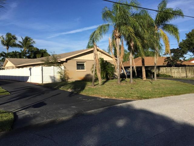 2571 Wabash Drive, North Palm Beach, FL 33410