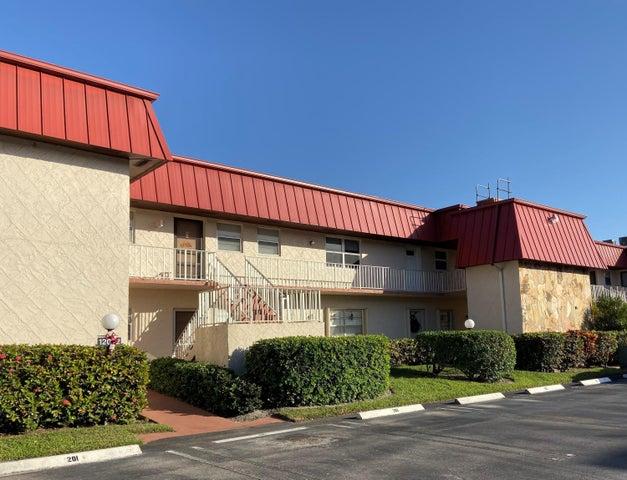 12022 W Greenway Drive, 204, Royal Palm Beach, FL 33411