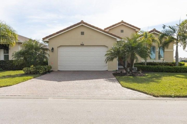 9601 SW Royal Poinciana Drive, Port Saint Lucie, FL 34987