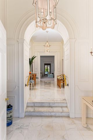 Elegant Clarence Mack Regency completely renovated and decorated by noted Palm Beach interior designer Leta Austin Foster. Featured recently in ''House Beautiful,'' this outstanding residence in a prized estate section location is the gold standard by which all others will be measured. Absolute perfection.