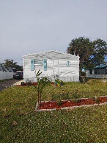 6949 SE Ridgeway Terrace, Hobe Sound, FL 33455