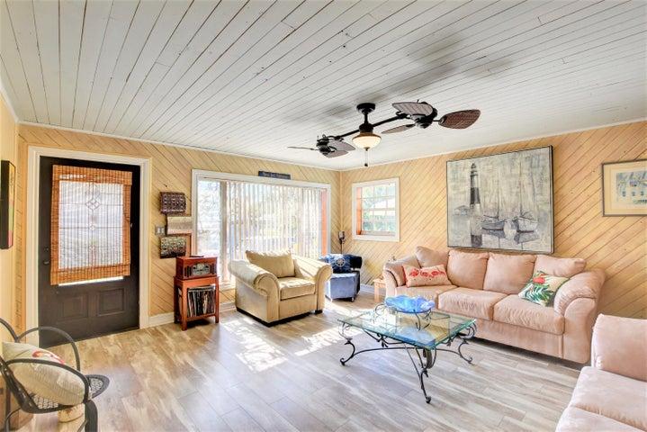 208 E 23rd Street, Riviera Beach, FL 33404