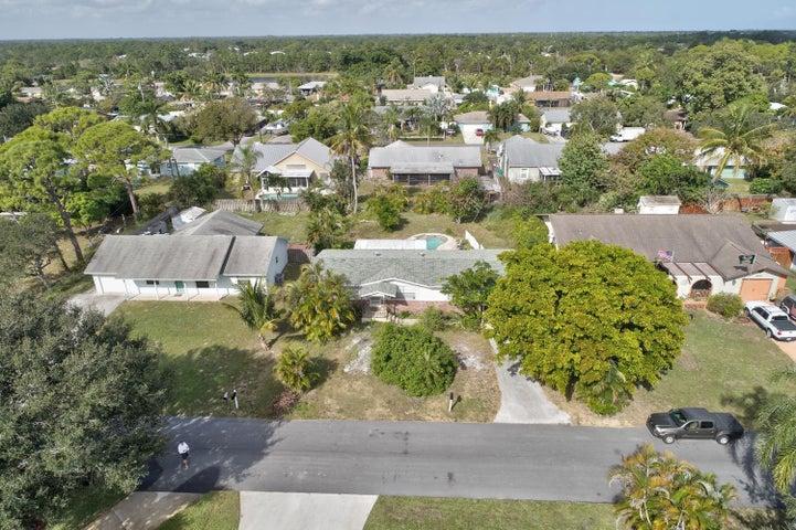 6521 SE Clairmont Place, Hobe Sound, FL 33455