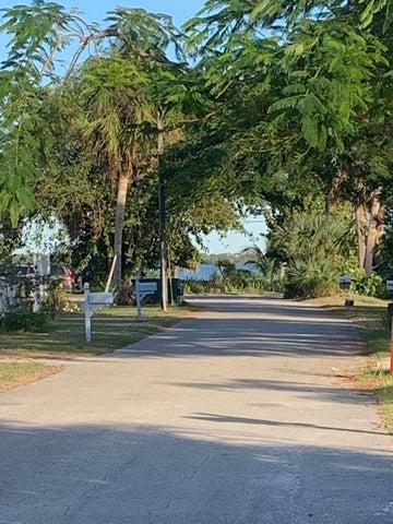 1430 NE Chardon Street, Jensen Beach, FL 34957
