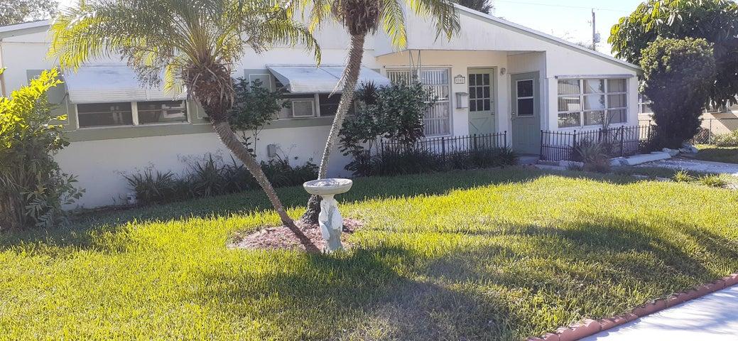 1141 W 24th Street, Riviera Beach, FL 33404