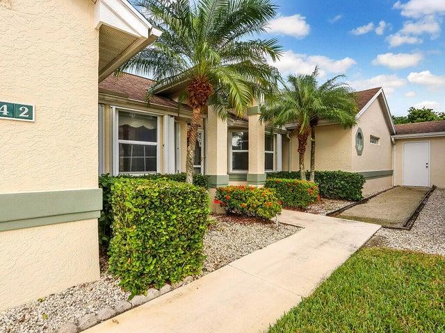 442 NW Sherry Lane, Port Saint Lucie, FL 34986