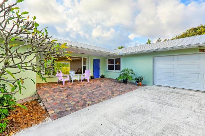 390 Jupiter Lane, Juno Beach, FL 33408