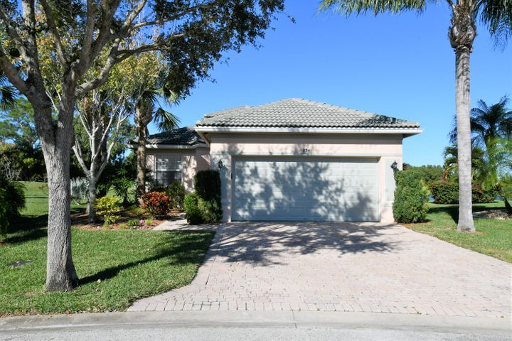 834 NW Rutherford Court, Port Saint Lucie, FL 34983