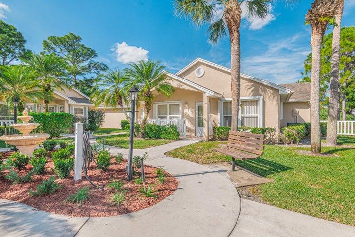 530 NW San Remo Circle, Port Saint Lucie, FL 34986