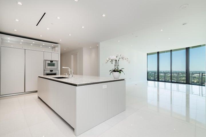 2. Kitchen high-5