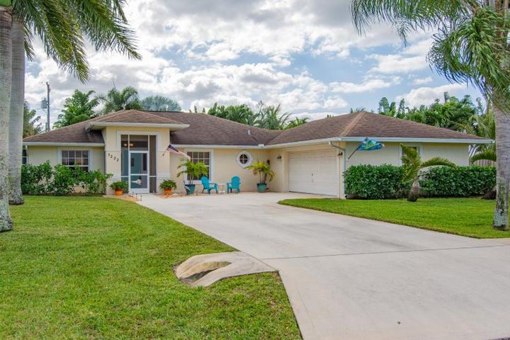 5222 SE Harrold Terrace, Stuart, FL 34997