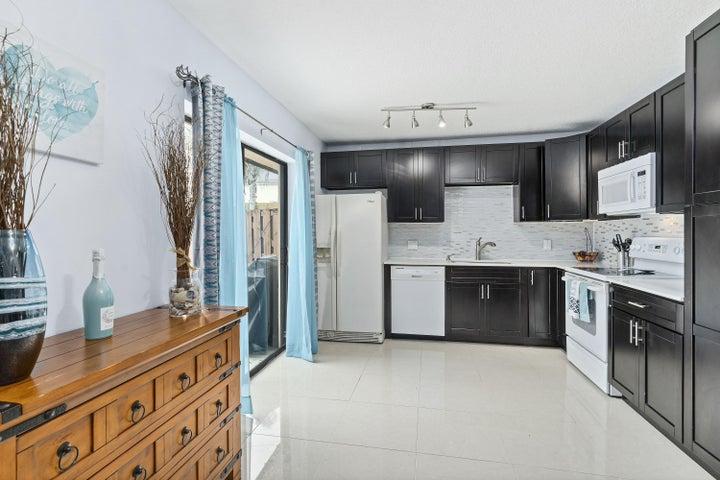 5708 SE Windsong Lane, Stuart, FL 34997