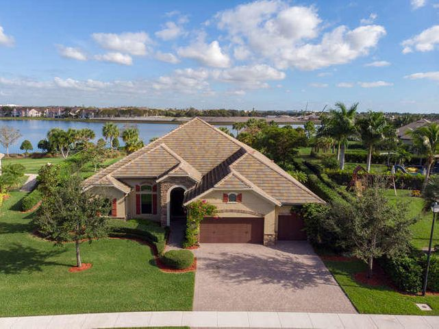 3607 Siena Cir Wellington FL-small-001-0