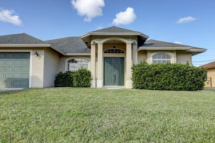111 SW Milburn Circle, Port Saint Lucie, FL 34953