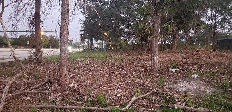1619 SW Cashmere Boulevard, Port Saint Lucie, FL 34953