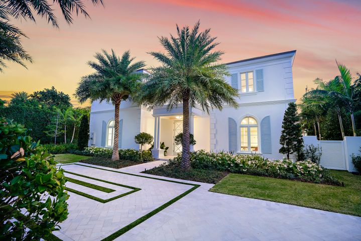 Stunning New Construction located in the sought after Estate Section of Palm Beach. Built by award-winning builder Purucker & Marrano Custom Homes, elegant details meet transitional decor. This exquisite estate defines today's luxury lifestyle with custom appointments throughout, prominent entry, formal living and dining room, gracious dual master baths and captivating outdoor living. The generous 2nd floor balcony, accessible from the master suite and upstairs living allows one to enjoy the enchanting South Florida sunrise and sunsets. Just minutes to Worth Ave., this is the perfect winter retreat for the most sophisticated buyer.