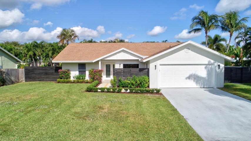703 Enfield Road, Delray Beach, FL 33444