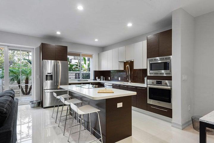 3235 NE 5th St Pompano Beach FL