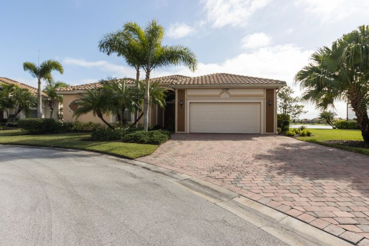 11729 SW Apple Blossom Trail, Port Saint Lucie, FL 34987