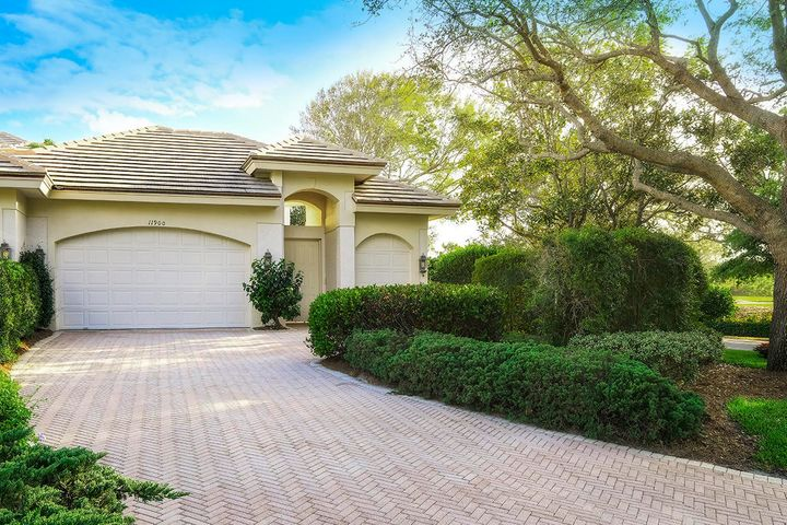 11900 SE Birkdale Run, Tequesta, FL 33469